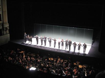 Salutacions finals a la Lulu del Teatro Real. Foto pfp