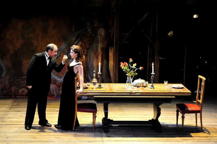 LA DAMA DE REUS (A.Carrion) al TNC Barceló i Molins en la pucciniana escena del acte 2on.