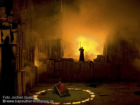 Die Walküre - acte 3er - Bayreuth - producció Tankred Dorst