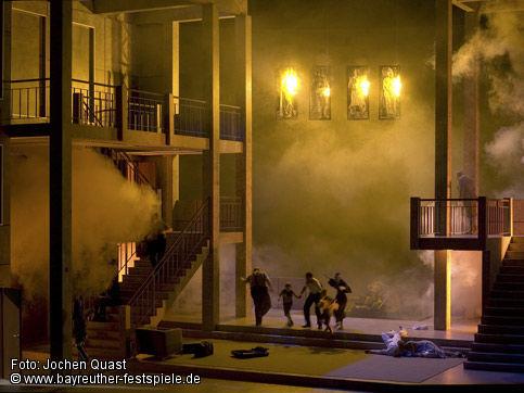 Final del Götterdämmerung - Bayreuth - Producció de Tankred Dorst