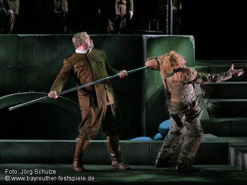 Götterdämmerung - Bayreuth - acte 3er. Hagen mata a Siegfried (aquest no és Fraz, és l'enyorat Stephen Gould)