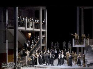 Götterdämmerung - Bayreuth - acte 2on. Producció de Tankred Dorst