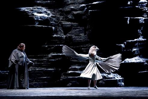 Johan Botha (Der Kaiser) a Die Frau ohne Schatten en la producció de Claus Guth per a la Scala de Milà. Foto Monika Rittershaus