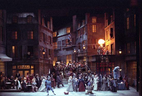 La Bohème, acte II. Producció del Teatro Real (Gian Carlo Del Monaco)