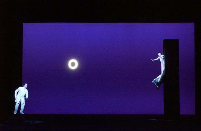 Pelléas et Mélisande producció de Robert Wilson. Escena de la torre (Foto: Opéra National de Paris/ E. Mahoudeau)