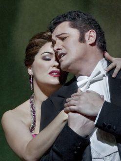 Anna Netrebko i Piotr Beczala a la Manon del MET 2012. Foto Ken Howard/Metropolitan Opera