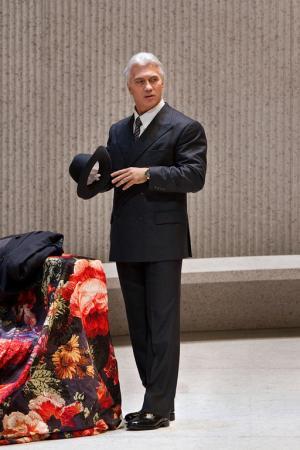 Dmitri Hvorostowsky (Germont) La Traviata MET 2012 Foto Ken Howard MET
