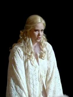 Jessica Pratt, Amina a La Sonnambula (La Fenice 2012)
