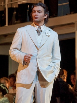 Jonas Kaufmann (Faust) MET 2011 Foto Ken Howard Metropolitan Opera House