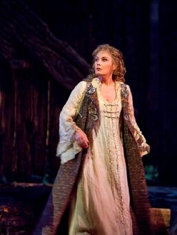 Waltraud Meier, Sieglinde al MET foto: Metropolitan Opera/Ken Howard