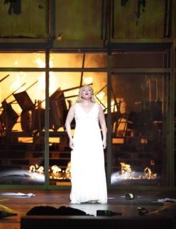Nina Stemme (Brünnhilde) a Götterdämmerung a Munic. Producció:Andreas Kriegenburg Foto © Bavarian State Opera