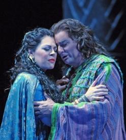 Sondra Radvanovsky (Aida) i Marcello Giordani (Radames) a l'Aida de la Lyric Opera de Chicago. Foto: Dan Rest Lyric Opera Chicago