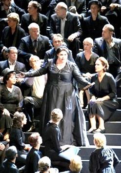 Angela Meade com a Duquesa Elena a I Vespri Siciliani (Verdi) a la Staatsoper de Viena. Foto Wiener Staatsoper / Michael Pöhn