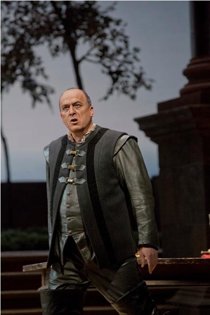 Falk Struckmann (Iago) MET 2012 Foto: Ken Howard/Metropolitan Opera