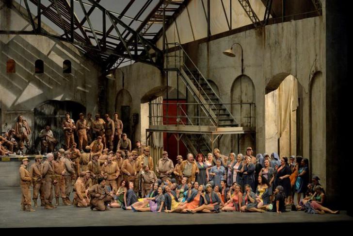 Carmen a l'ONP ACte 1er, producció d'Yves Beaunesne