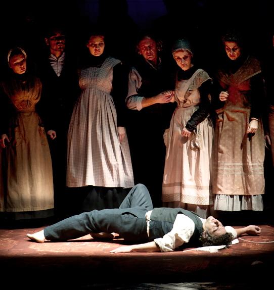 Lohengrin, producció de Claus Guth pel Teatro alla Scala, 2012. Jonas Kaufmann (Lohengrin)