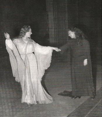 Renata Tebaldi (Elsa) i Elena Nicolai (Ortruda) al Teatro San Carlo de Nàpols (1954)