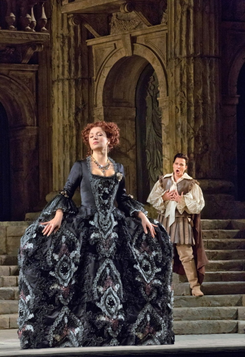 Barbara Frittoli (Servilia) a La Clemenza di Tito al MET, producció de Gianpierre Ponnelle. Foto (Metropolitan Opera, Ken Howard/ Associated Press )