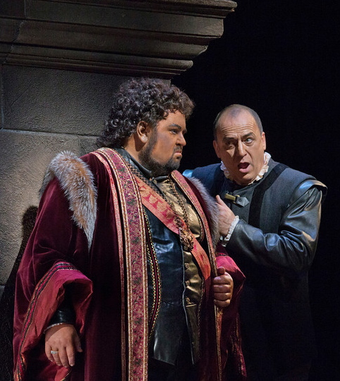 Johan Botha i Falk Struckmann a l'Otello del MET 2012. Foto Ken Howard/MET