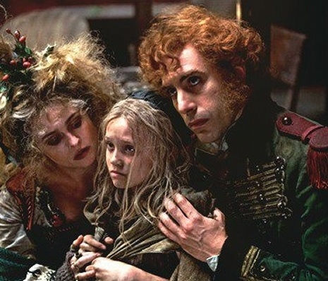 Helena Bonham Carter (Madame Thénardier), Isabelle Allen (Cosette) i Sacha Baron Cohen (Thénardier)