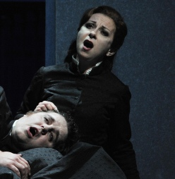 Natalie Dessay i Michael Spyers a Les contes d'Hoffmann del Liceu 2013. Foto Antoni Bofill