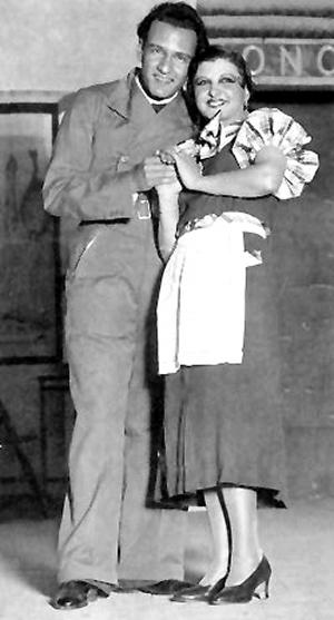 Luis Sagi Vela y Maruja Vallojera en La del manojo de rosas de Pablo Sorozabal