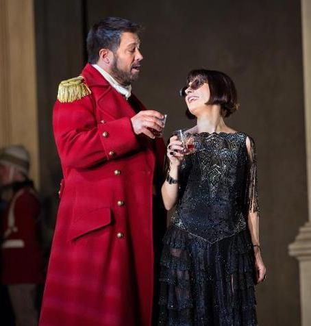 David Daniel (Giulio Cesare) i Natalie DEssay (Cleopatra) al MET, producció de David McVicar. Foto Ken Howard
