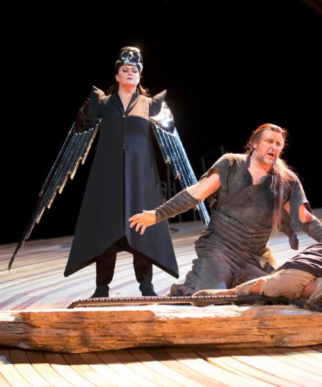 Catherine Foster (Brünnhilde) i Christopher Ventris (Siegmund)n a Die Walküre a la DNO, producció de Pierre Audi