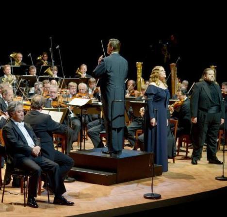 Christian Thielemann dirigint el concert del bicentenari al Festspielhaus de Bayreuth amb Kwangchul Youn, Eva-Maria Westbroek i Johan Botha. Foto: David Ebener