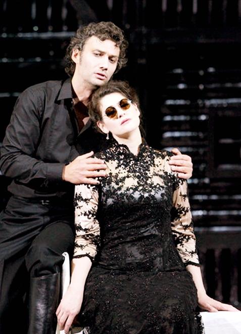 Jonas Kaufmann (Manrico) i Anja Harteros (Leonora) a Il Trovatore a Munich