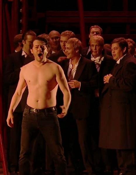 Arturo Chacón Cruz (Duca) a Rigoletto, producció de Robert Carsen a Aix-en-Provence 2013