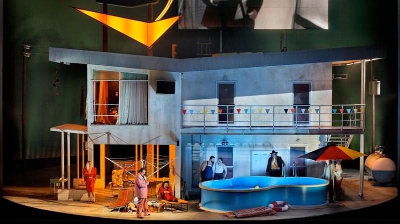 Das Rheingold a Bayreuth 2013. Producció de Frank Castorf, escenografia Aleksandar Denić i vestuari Adriana Braga Peretzki. Foto Enrico Nawrath