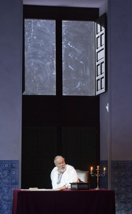 Matti Salminen (Filippo II) a l'acte quart de Don Carlo. Producció de Peter Stein a salzburg 2013. Foto  Monika_Rittershaus