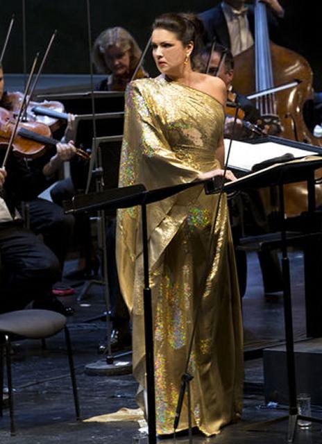 Anna Netrebko (Giovanna) a la versió concertant de Giovanna d'Arco de Giuseppe Verdi a A Salzburg 2013. Foto Silvia Lelli Festival / Salzburg