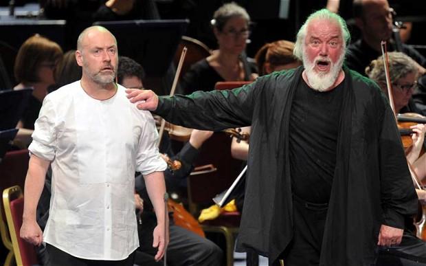 Lars Clavemann i John Tomlinson al Parsifal dels PROMS 2013. Foto Chris Christodoulou