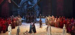 Aida, acte 2on, Producció del Teatro San Carlo de Nàpols (2013) de Franco Dragone. Fotografia Teatro San Carlo