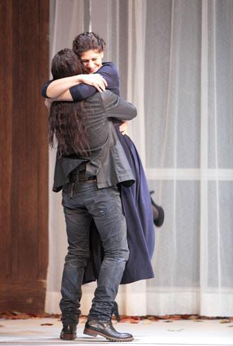 Harteros i Kaufmann a La forza del destino de Verdi, produció de Martin Kusej per a la Bayerische Staatsoper