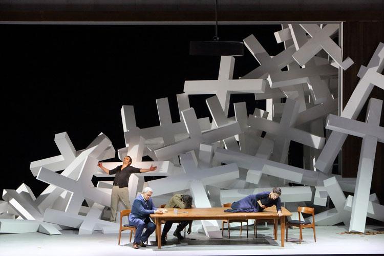 La Forza del destino, escena final a la Bayerische Staatsoper, producció Martin Kusej