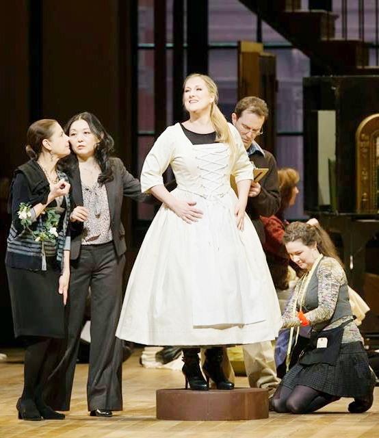 Diana Damrau (Amina) a La Sonnambula del MET, producció de Mary Zimmerman. Fotografia MetropolitanOperaHouse