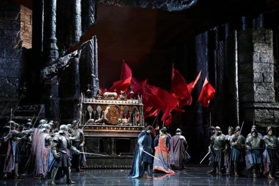 IL Trovatore al Teatro alla Scala, producció Hugo de Ana