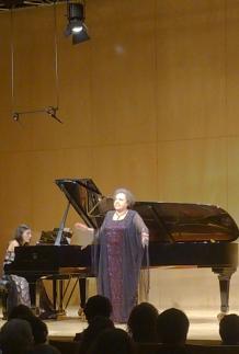 Karina Azizova i Ewa Podles a L'Atlàntida de Vic 20 d'abril de 2014 Foto IFL
