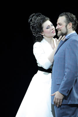Marina Rebeka (Mathilde) i Bryn Hymel (Arnold) a Guillaume Tell. Fotografia de la Bayerische Staatsoper