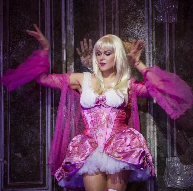 Kristine Opolais (Manon Lescaut) Fotografia Bill Cooper/ROH