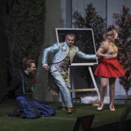 Josep-Ramon Olivé, Antoni Comas i Isabella Gaudí a L'Eclipsi. Fotografia © May/Zircus-TNC