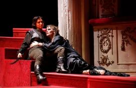 Lena Belkina (Arsace) i Jessica Pratt (Zenobia) A AUreliano in Palmira, Pesaro 2014 FotografiROF