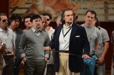 Riccardo Zanellato a Il Trovatore a Salzburg 2014. Producció de Alvis Hermanis Fotografia © Salzburger Festspiele / Forster