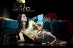 Venera Gimadieva (Violetta) Glyndebourne 2014 Foto ©Richard Hubert Smith