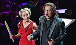 Emma Thompson i Bryn Terfel amb la New York Philharmonic Orchestra, Sweeney Todd. Photograph: Mike Coppola/Getty Images