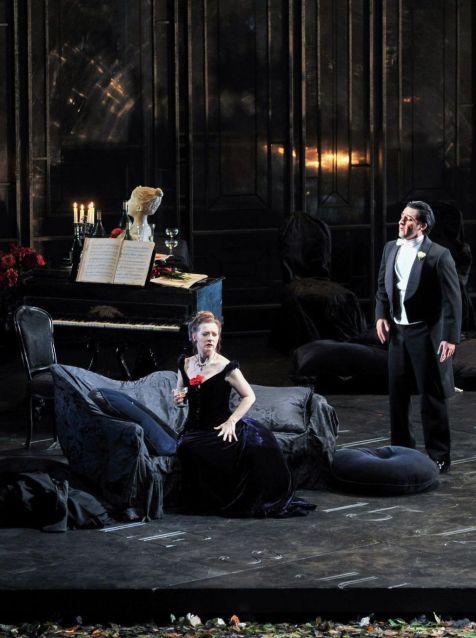 Patricia Ciofi i Charles Castronovo a La Traviata Liceu 2014/2015 Producció de David McVicar Foto ® A Bofill