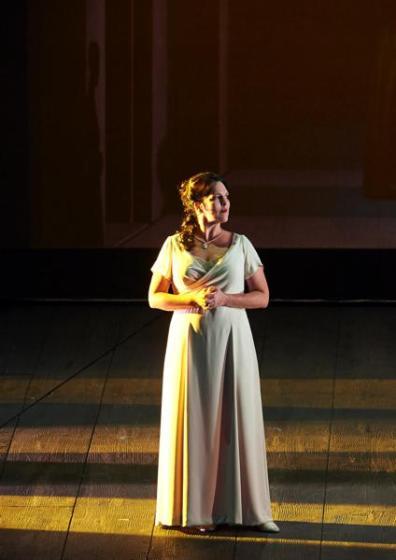 Adrianne Pieczonca (Elisabetta di Valois) Staatsoper de Viena Foto Michael Pöhn / Wiener Staatsoper